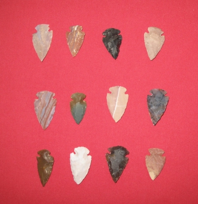 Picture of this lot Arrowheads, Spearheads, Spearpoints